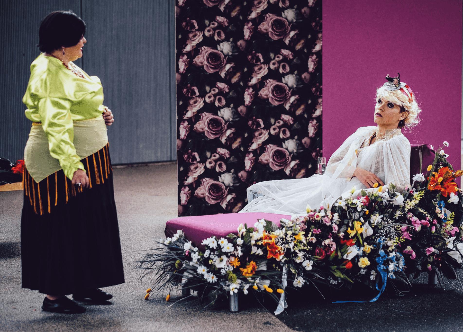 Teatteri Saaga ja ELbe näytelmä